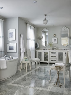 Baño decorado blanco