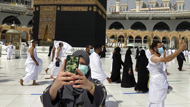 WNI Belum Boleh ke Saudi, Shamsi Ali: Penanganan Covid Sarat Kepentingan, Siapa di Balik Itu?