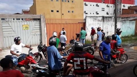 Populares frustram tentativa de assalto no centro de Pedreiras