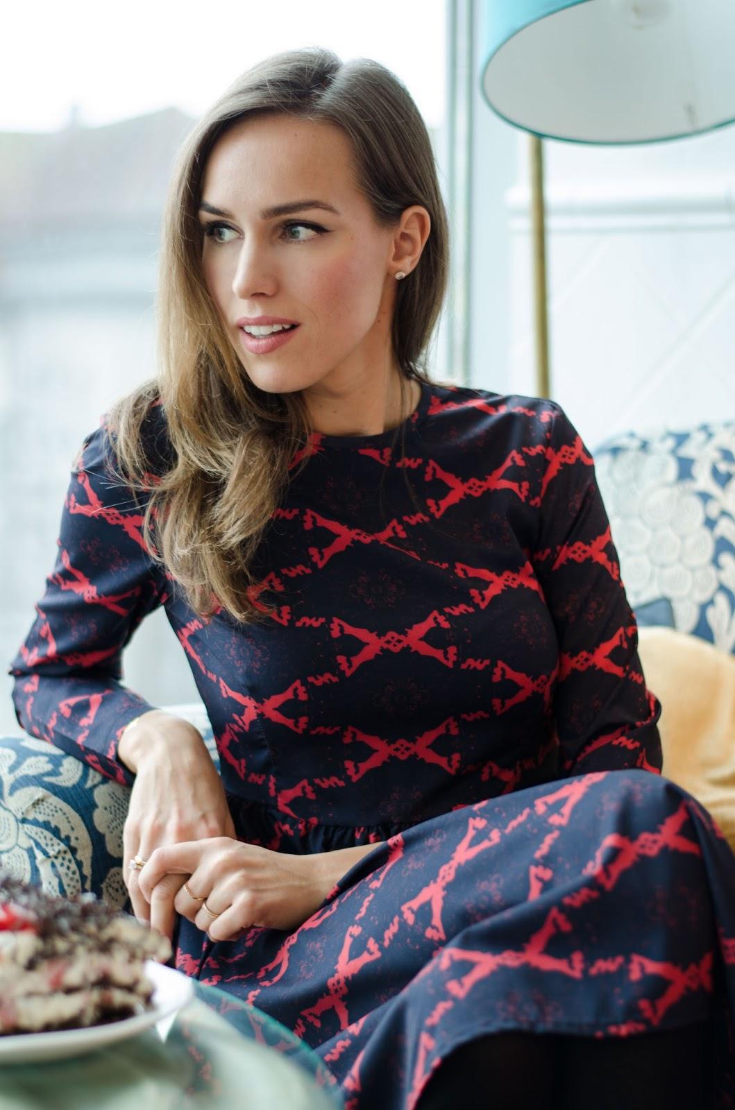 kristjaana mere printed dark blue red patterned boat neck dress