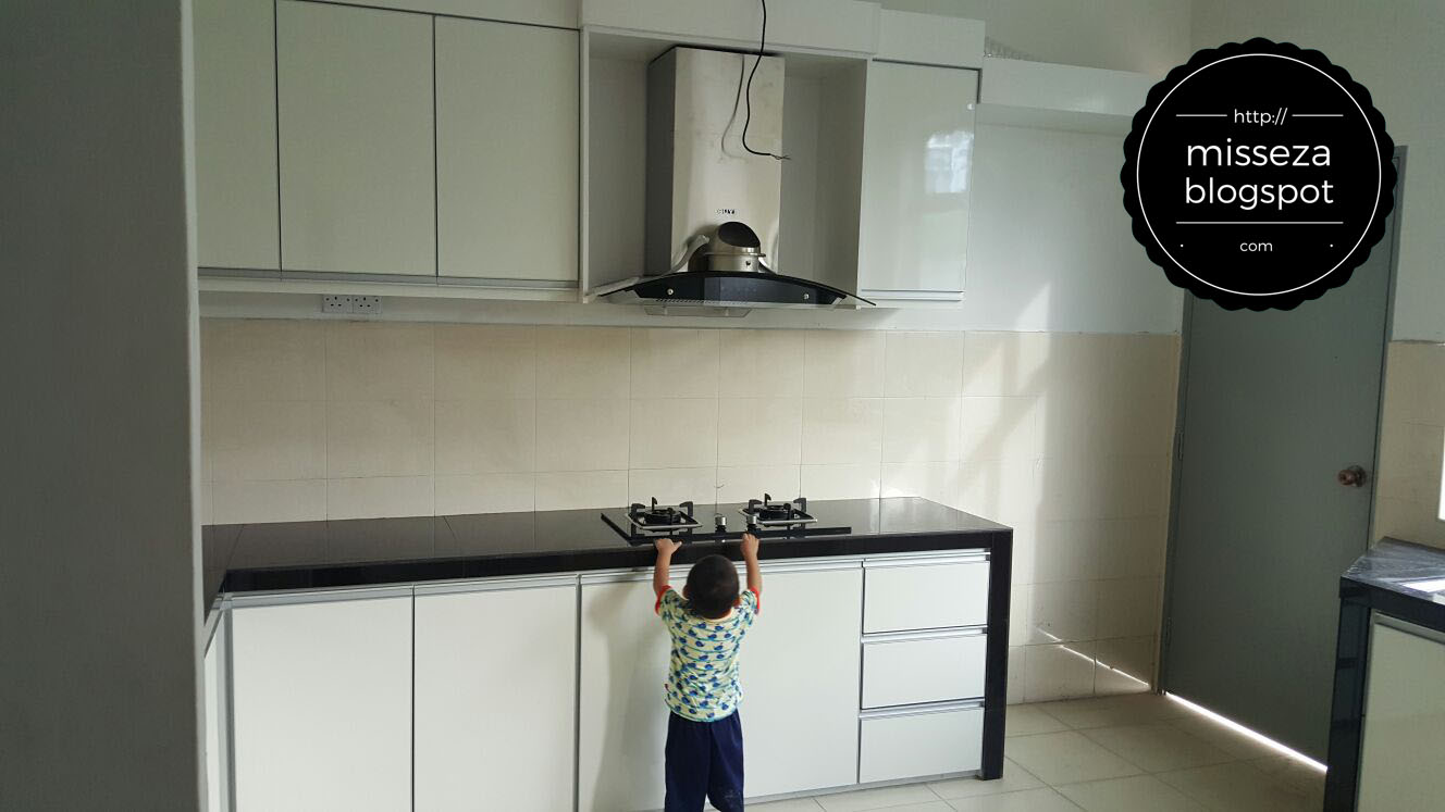 Pegawai Qc Sedang Cek Dapur P