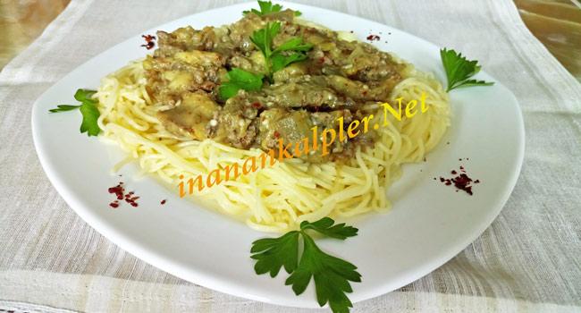Patlıcanlı Makarna