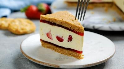 Stroberi Krim Cheesecake