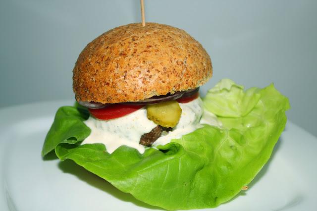 http://www.nutristrefa.pl/2017/04/dietetyczne-burgery.html