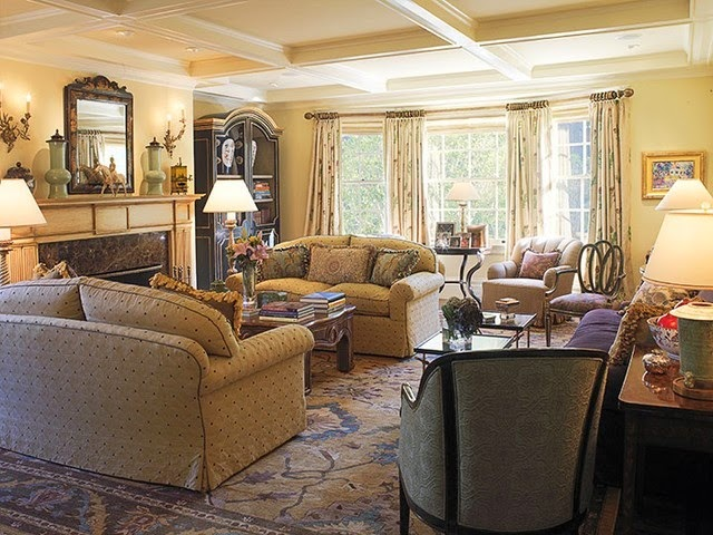 Traditional Living Room Designs picture