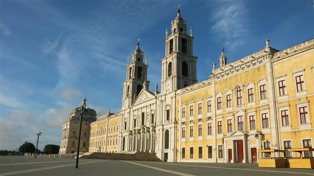 Fachada do Palácio Nacional de Mafra