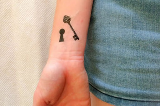 Fechadura e Chave de Desenho de Tatuagem