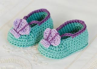 Mermaid baby booties crochet pattern