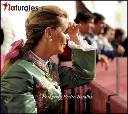 Empresa Ovação e Palmas na gestão da carreira de Ana Batista