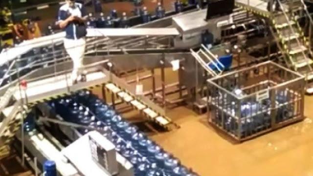 Kondisi Air di Pabrik Aqua Sukabumi Usai Terendam Banjir