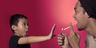 Alasan Mengapa Tidak Boleh Merokok Dekat Anak Alasan Mengapa Tidak Boleh Merokok Dekat Anak
