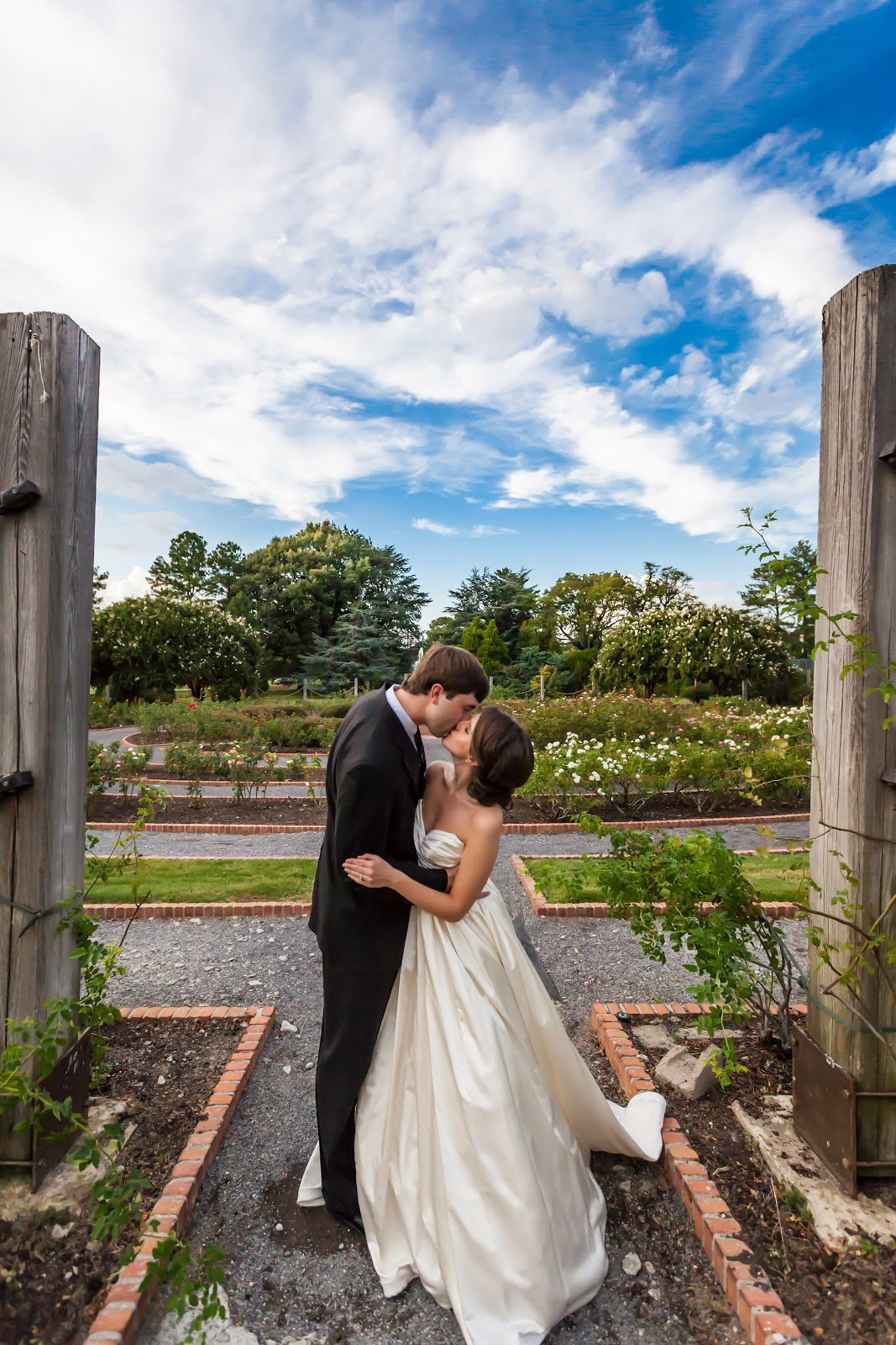 Wedding Photography Memphis: Message In A Bottle Productions: ROB LYONS PHOTOGRAPHY
