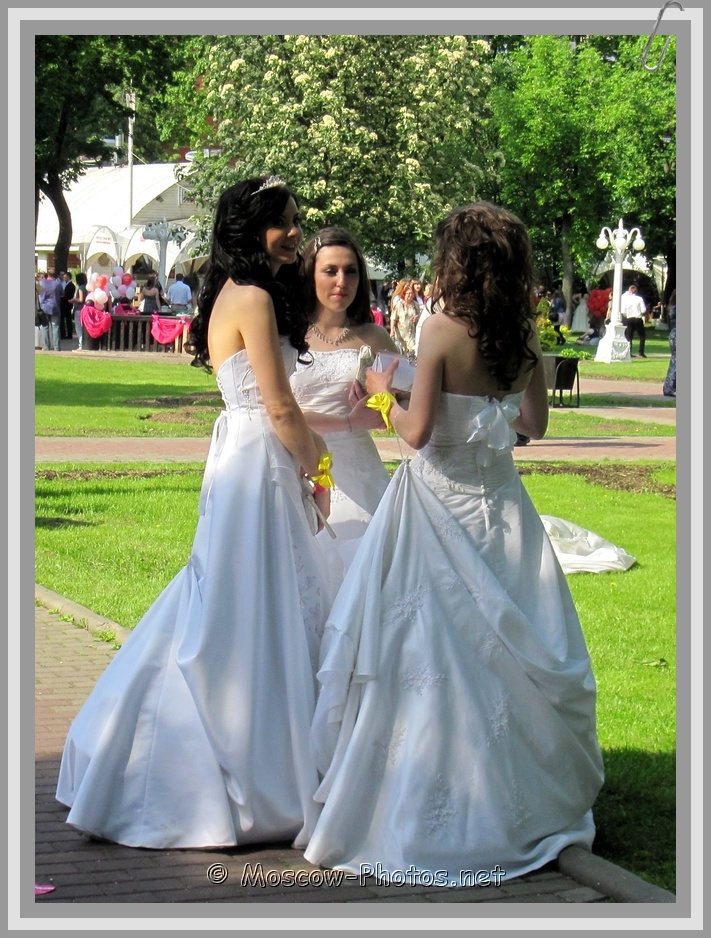 Three Runaway Moscow Brides