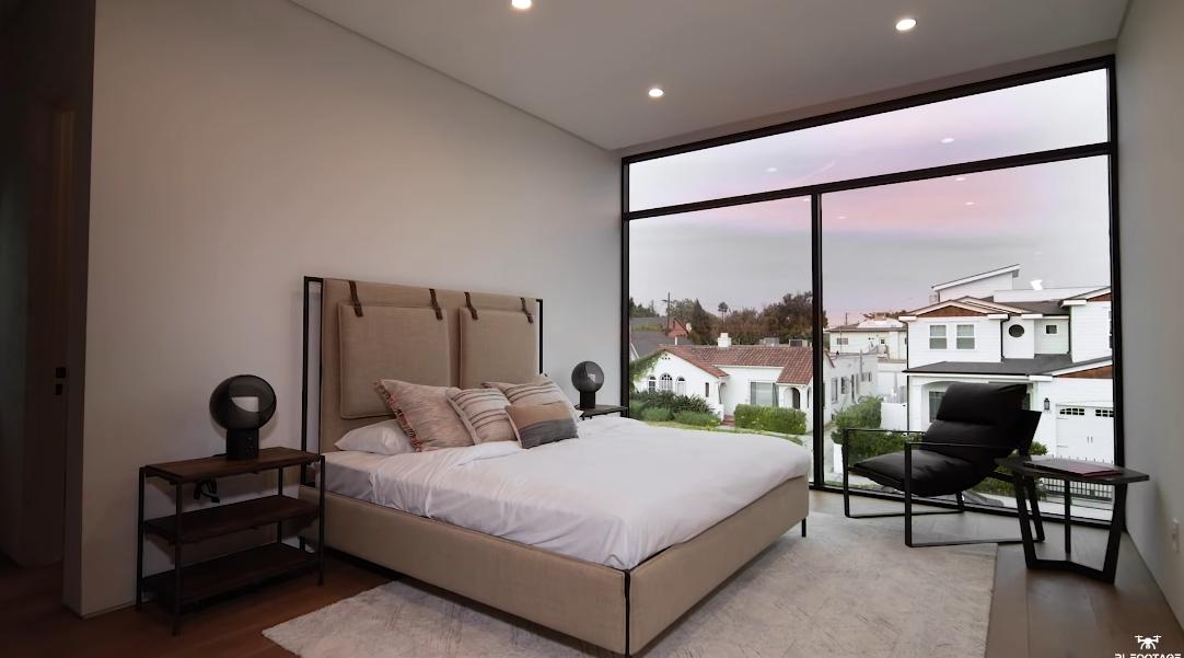 32 Interior Design Photos vs. 831 N Curson Ave, Los Angeles Luxury Home Tour