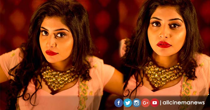 Manjima Mohan New Cleavage