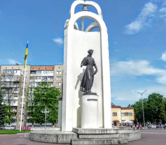 Стрий. Пам'ятник «Будителі»