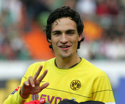 Ricardo Kaka Wallpapers Hd Top Football Players Mats Hummels Profile And Pictures Images