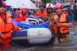 Warga di 10 Lokasi Jakarta Timur Dievakuasi Agar Selamat dari Banjir