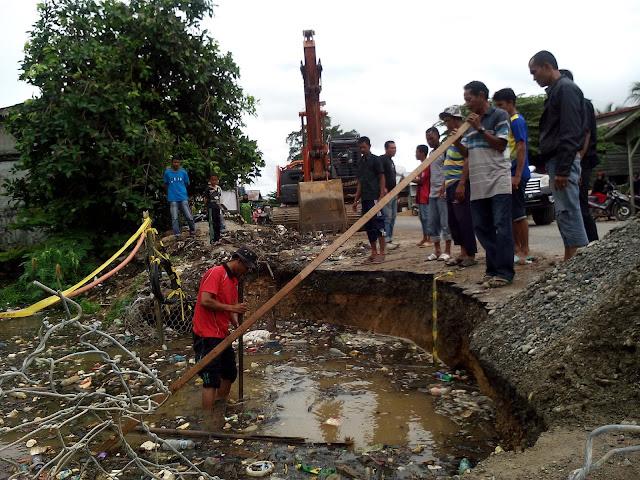 Rumah Warga Sering Banjir, Proyek Milik Pemerintah Aceh Ini Dibongkar