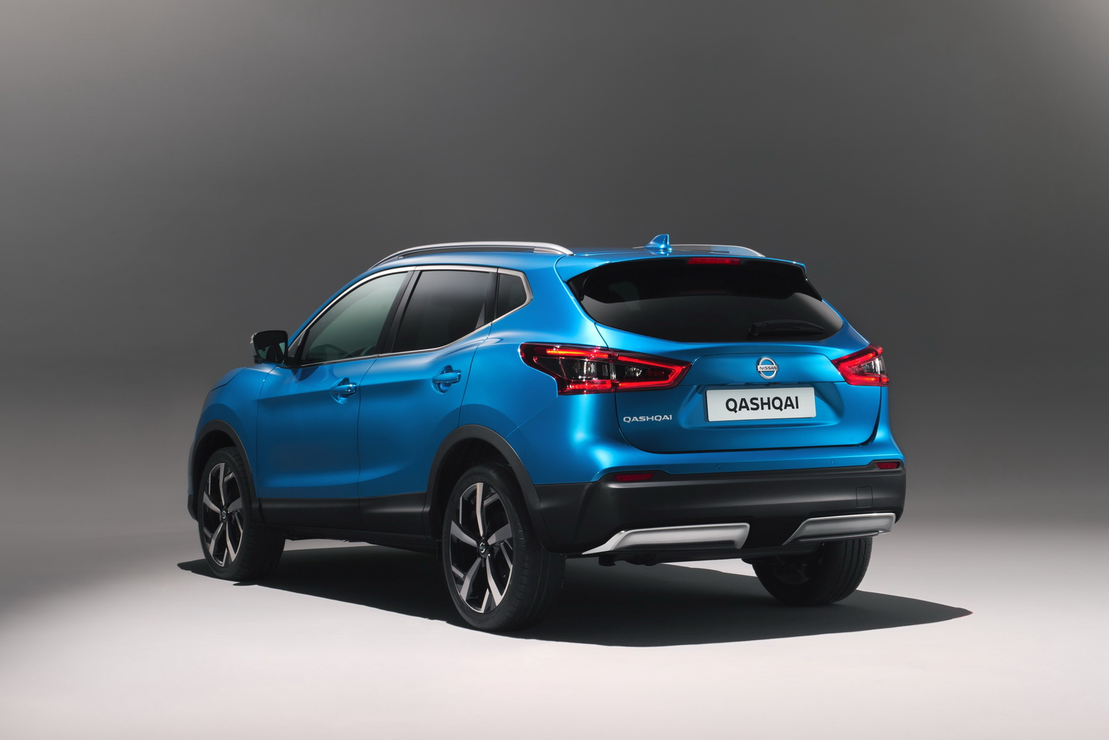 facelifted 2018 nissan qashqai suv gets semi