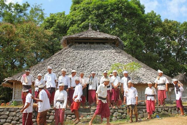 Suku Sasak : Sejarah, Rumah Adat, Budaya, Tradisi dan Agama Suku Sasak