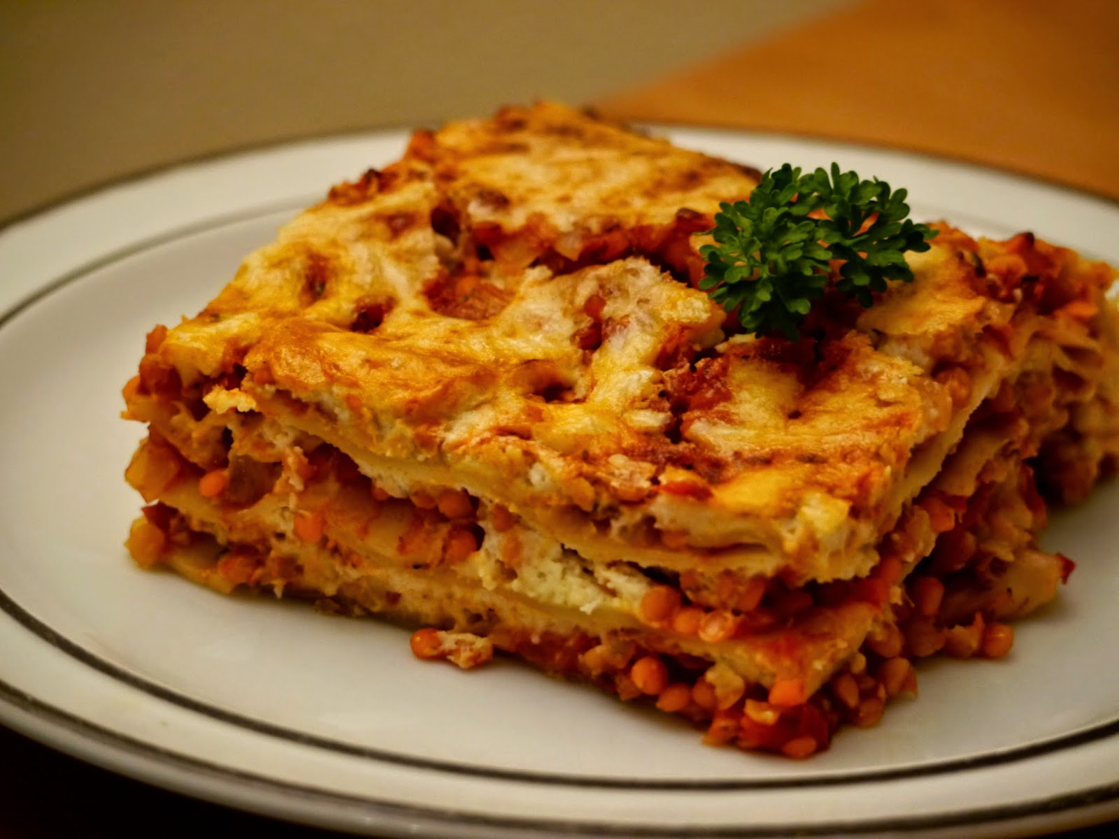 paradiesfutter rote linsen bolognese lasagne. Black Bedroom Furniture Sets. Home Design Ideas
