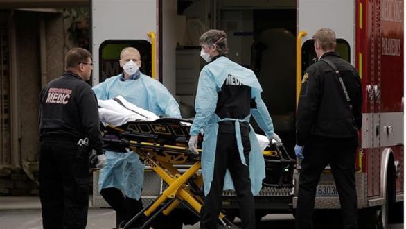 ΗΠΑ: 300.000 καταγεγραμμένα κρούσματα, περισσότεροι από 8.000 θάνατοι