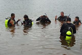 Homem morre após perder controle de veículo e cair dentro de rio na Paraíba