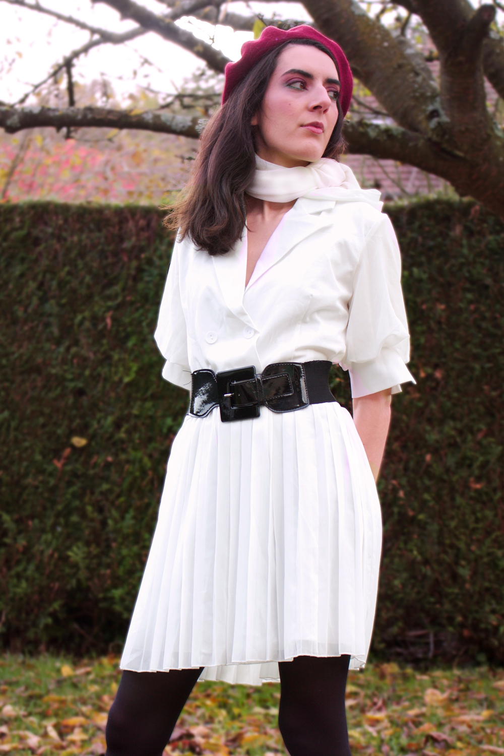 fashion retro 1960 white dress