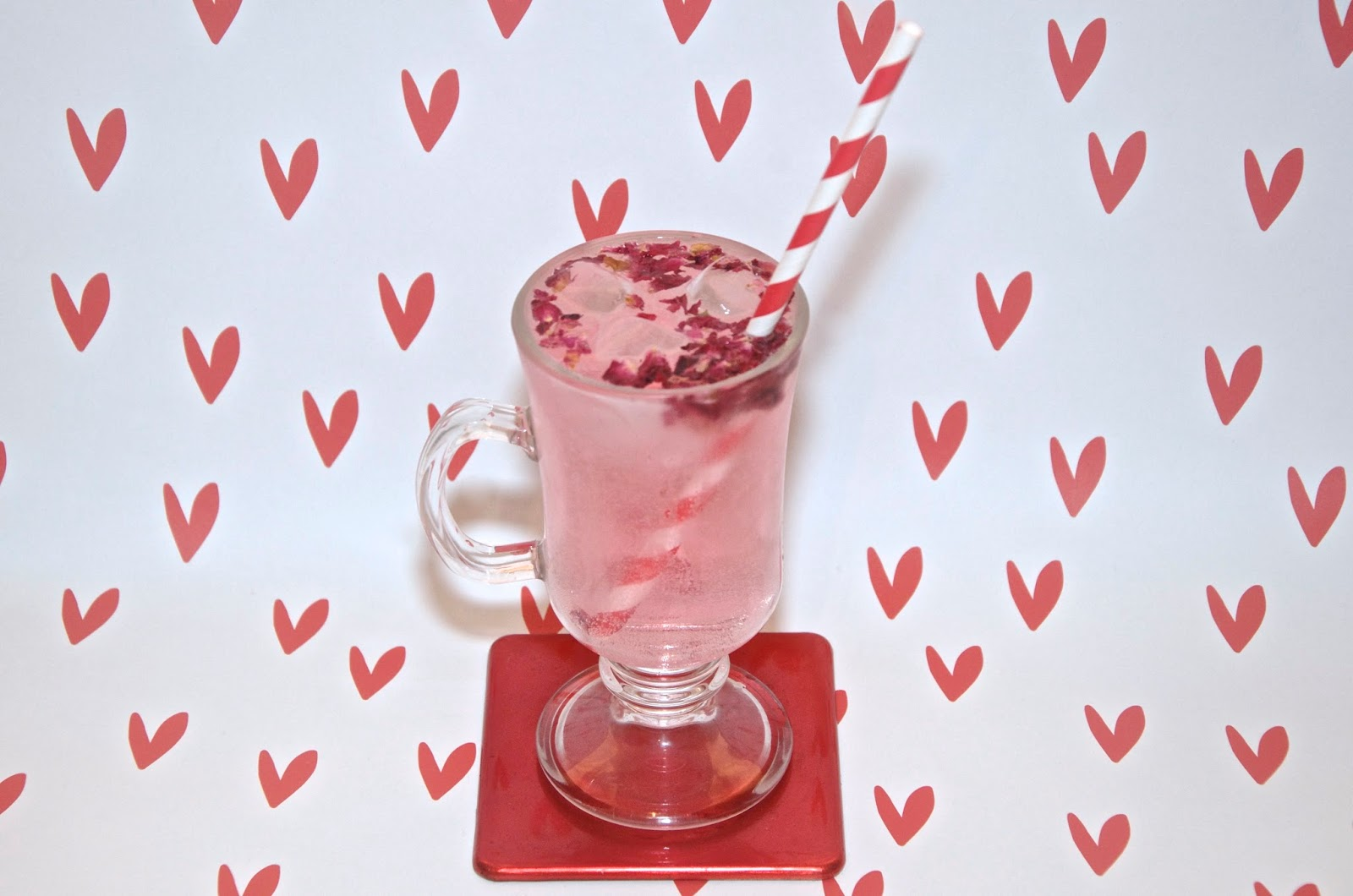 Rosy Gin & Tonic with rose petals and pink gin