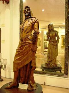 най-фотографираната скулптура в музея Салар Джунг