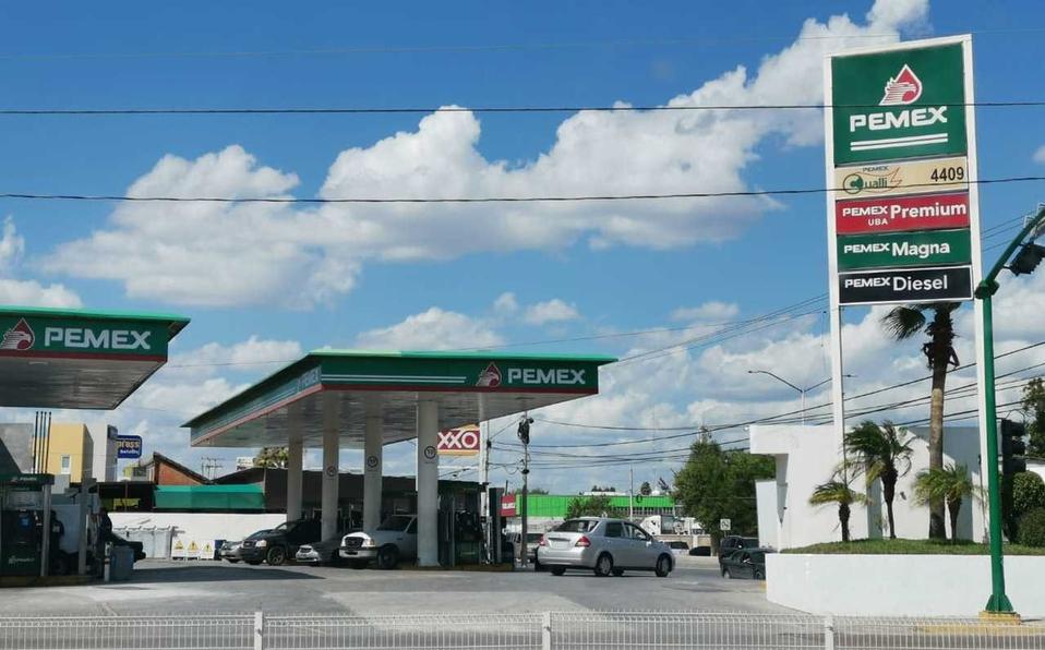 Nuevo Laredo CIERRAN gasolineras por negarse a surtir combustible a Estatales y Militares