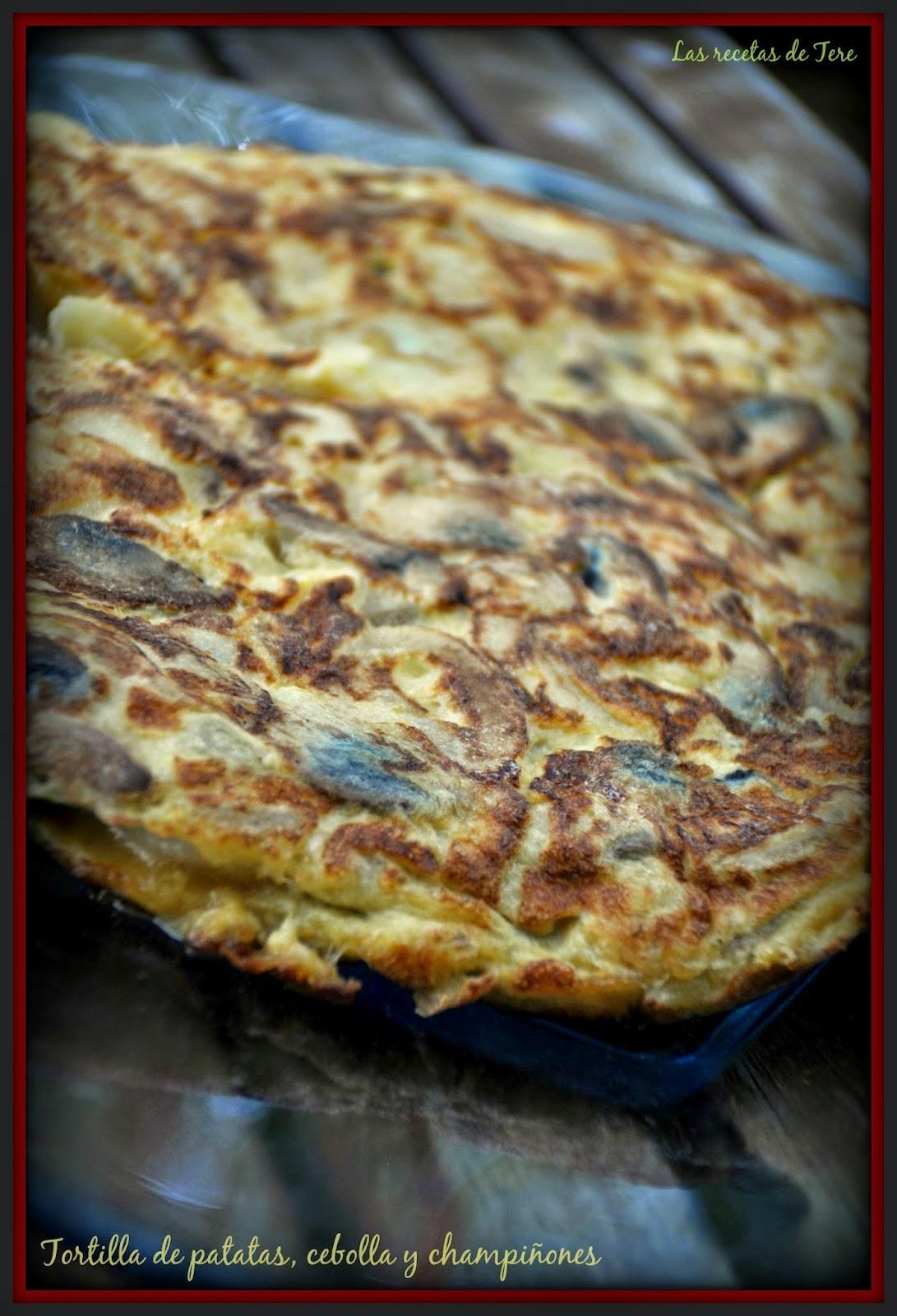 Tortilla de patatas, cebolla y champiñones 08
