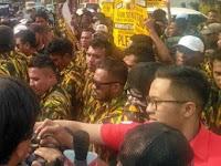 Yang Demo DPP Golkar Atas Nama AMPG Diduga Massa Bayaran