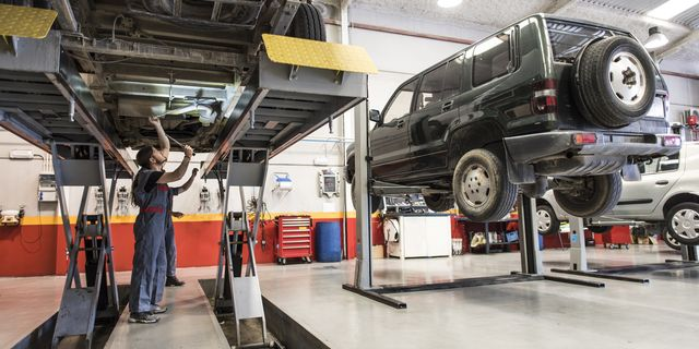 Four good reasons to do the car overhaul at the dealership