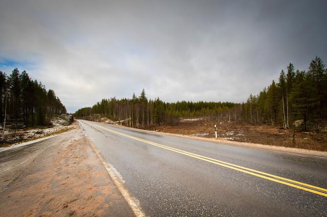 Strada verso il parco nazionale Phya-Luosto