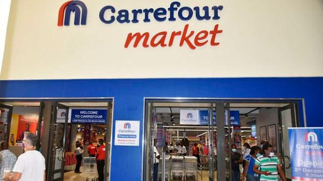 Carrefour, the French supermarket franchise photo