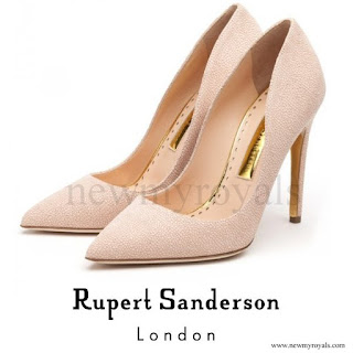 Kate Middleton wore RUPERT SANDERSON Calice Pumps