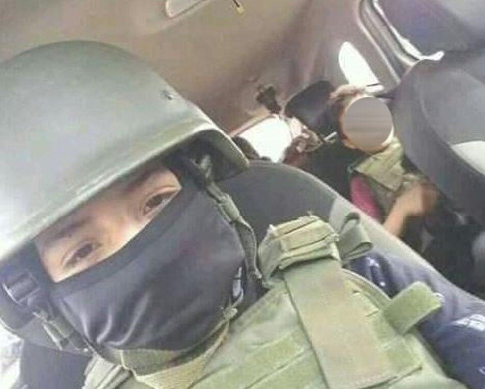 """El es """"El Minique""""... el niño sicario de 10 años que fue reclutado por su padre para el Cártel Jalisco Nueva Generación"""