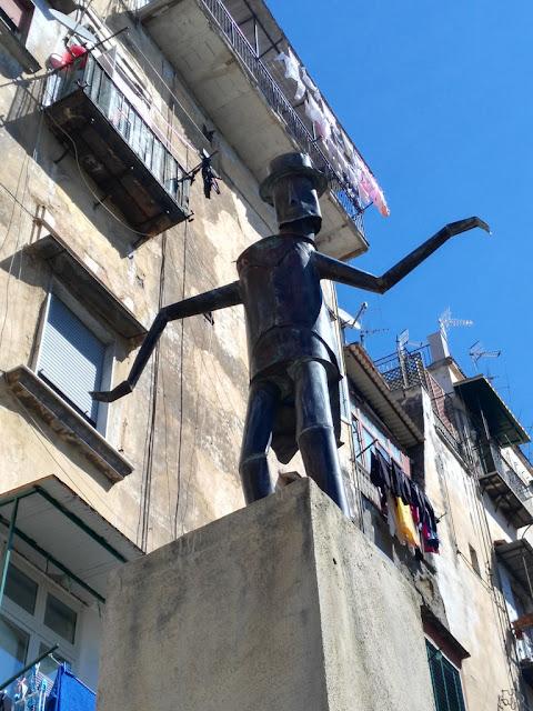 Statua a Totò-Rione Sanità-Napoli