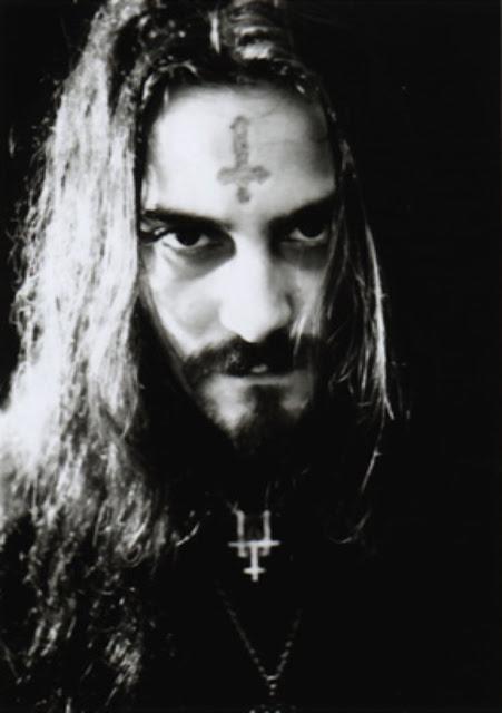 Glen Benton, frontman da banda Deicide.