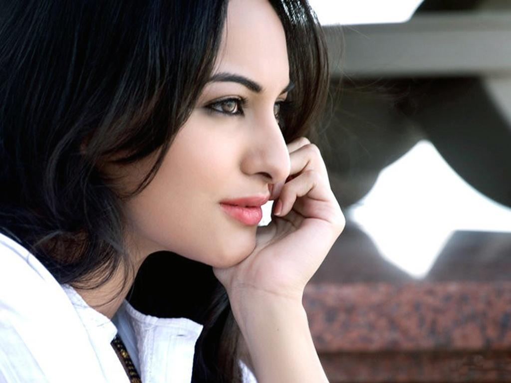 Sonakshi Sinha Hd Wallpapers: HD Wallpepars: Sonakshi Sinha HD Wallpapers
