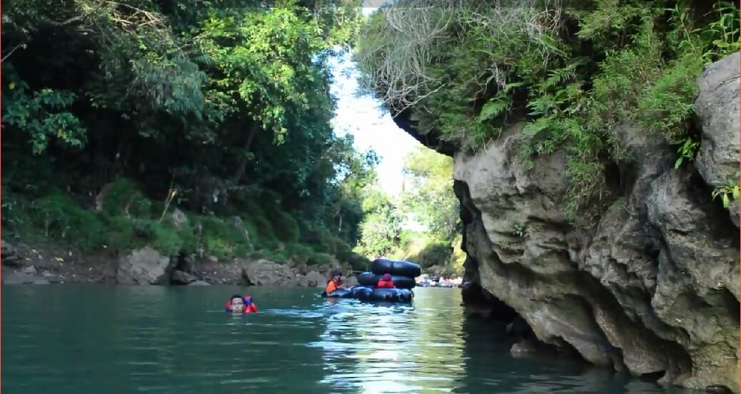 Refting Di Kali Oya Gunungkidul Dekat Goa Pindul