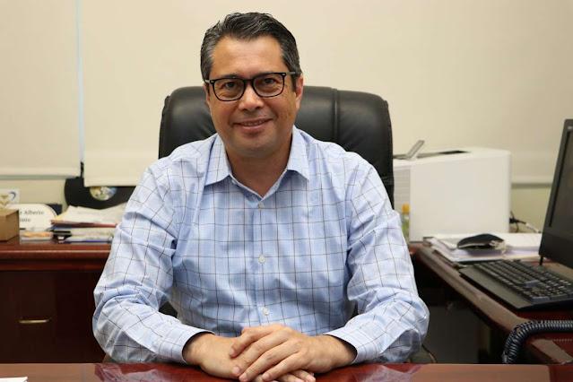 director general de Desarrollo Académico, Carlos Estrada Pinto.
