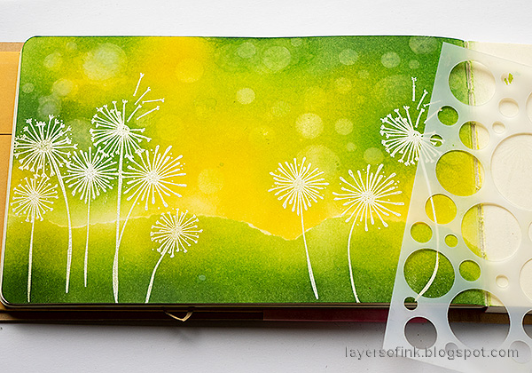 Layers of ink - Dandelion Fields Tutorial by Anna-Karin Evaldsson. Use the Simon Says Stamp Mix and Match Circles stencil.