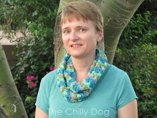 Free Knit Pattern: Learn the Chinese Fan Stitch and create a lightweight infinity necklace with sock weight yarn