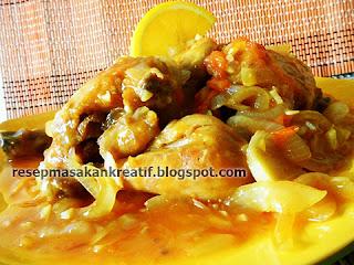 Cara memasak ayam dengan bumbu asam anggun kali ini ialah memakai cita rasa saus asam RESEP AYAM ASAM MANIS MASAK SAUS SUNKIST