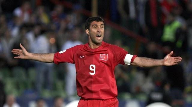 Ένταλμα σύλληψης και για τον ποδοσφαιριστή-θρύλο Χακάν Σουκούρ