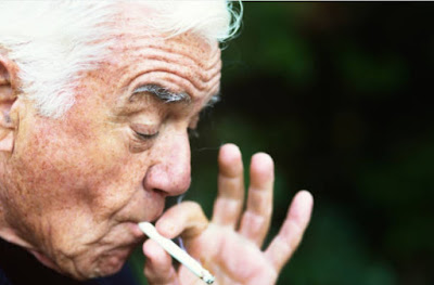 Cigarette Ash Touched Eyes, Alert The Various Risks