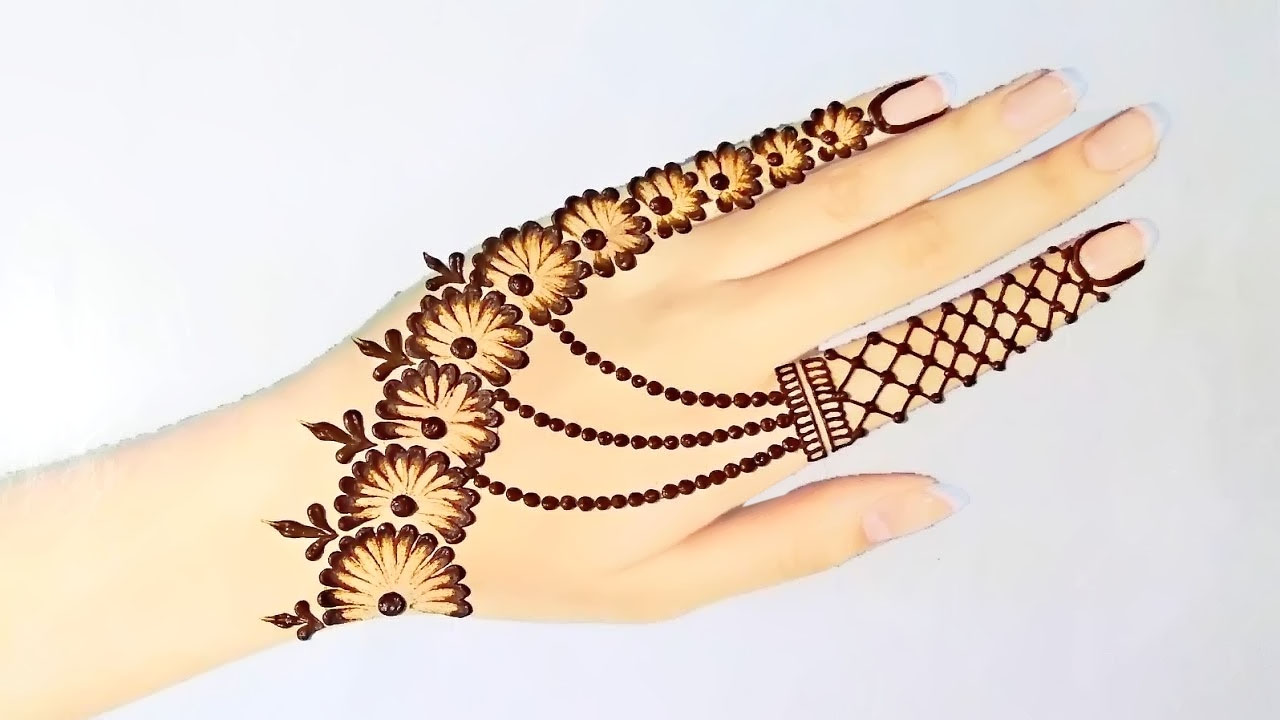 best mehndi design with cutton bud